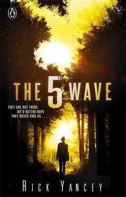 The 5th Wave (2013, Thorndike Press)