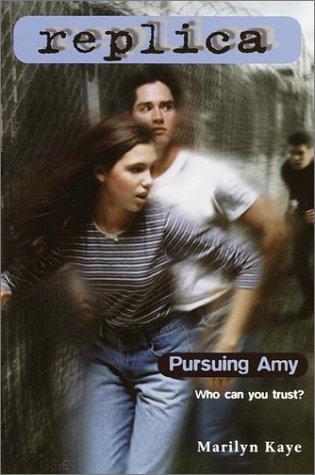Pursuing Amy (Replica 2) (Paperback, 1998, Skylark)